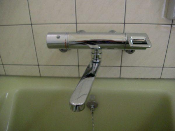 坂出市でお風呂の水もれ修理(TOTOバス水栓TMGG40A・浴室蛇口