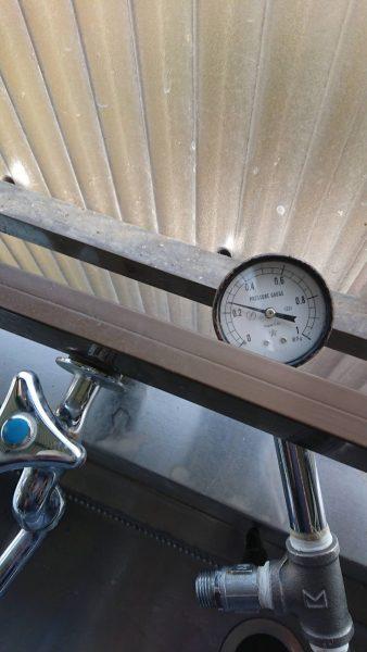 水圧の高い地域の給水管に減圧弁を設置して漏水対策完了!!
