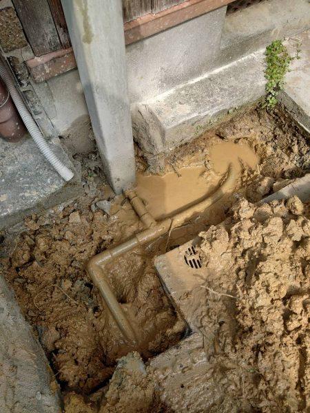 三豊市内で数年前から漏水